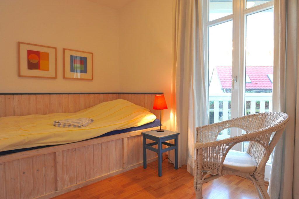 Das zweite Schlafzimmer: Das große Kojenbett (200 x 120 cm) lieben nicht nur Kinder.